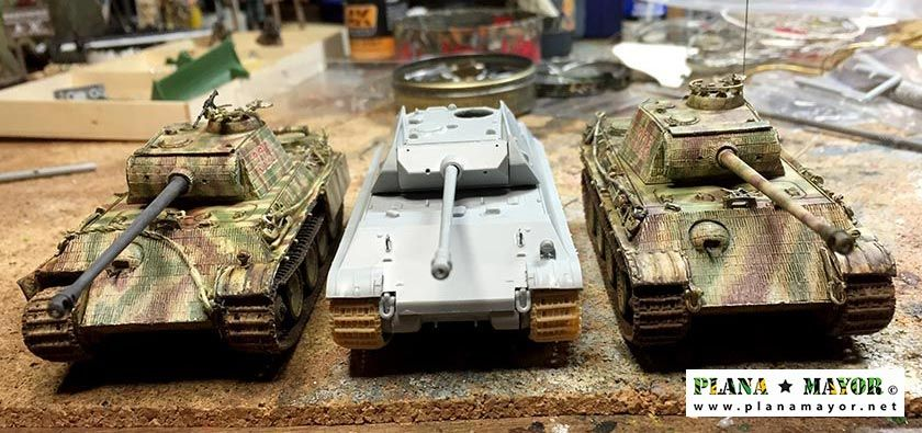 Comparativa frontal del Ersatz M10 y dos Panther G