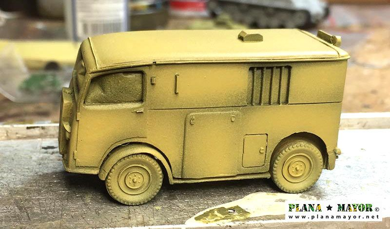 Citroen TUB 1937 Ambulancia con pintura base - vista lateral derecha